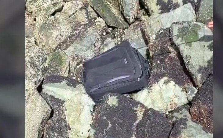 La maleta que despertó las sospechas de los jóvenes