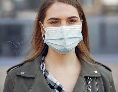 Los riesgos a los que te expones por usar la mascarilla más de una hora sin descanso