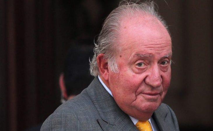 El rey Juan Carlos, en mitad de los escándalos, ha abandonado Esaña