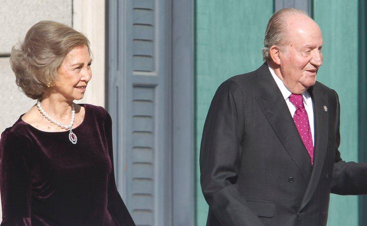 La reina Sofía solo siente indeferencia por el rey Juan Carlos