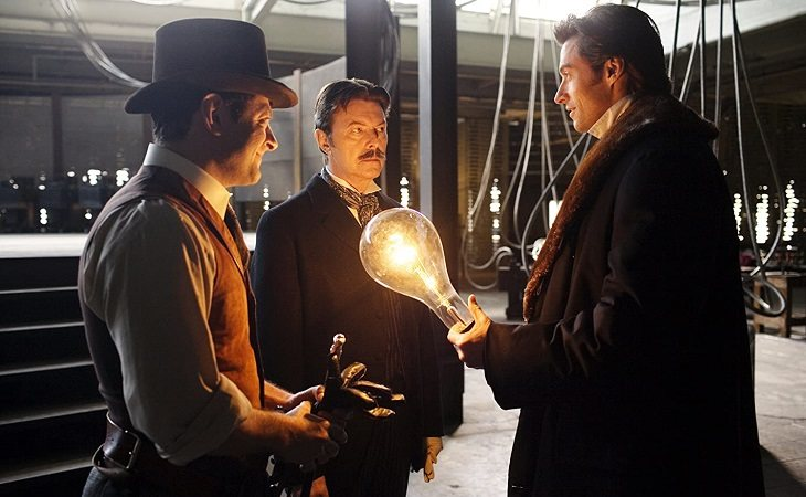 Andy Serkins, David Bowie y Hugh Jackman en 'El truco final (El prestigio)'