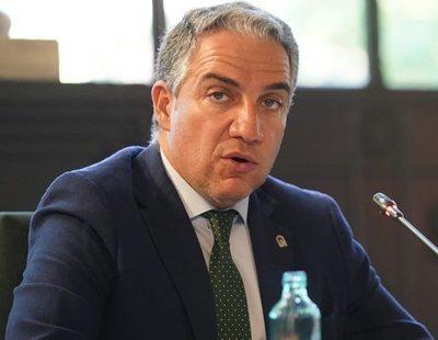 Elías Bendodo, consejero de la Junta de Andalucía, acude a pilates en coche oficial y sin mascarilla