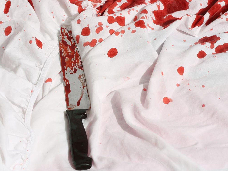 Mutila los testículos hasta la muerte al novio de su exmujer delante de ella y luego se suicida