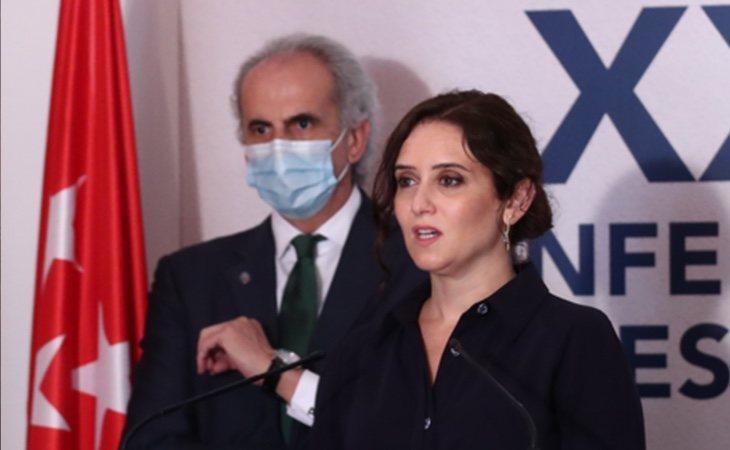 Ayuso, junto a su consejero de Sanidad, Enrique Ruiz Escudero