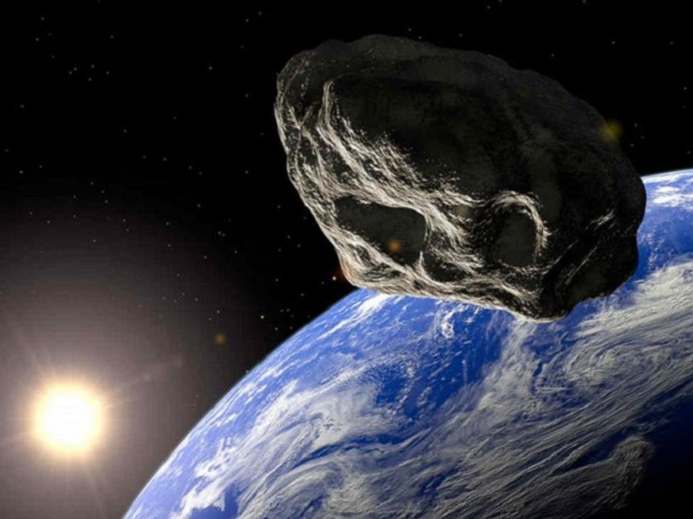 Un asteroide potencialmente peligroso pasará muy cerca de la tierra mañana