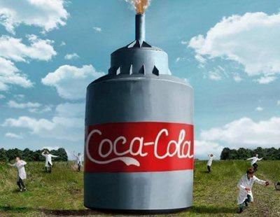 El experimento de mezclar Coca Cola y Mentos llevado al extremo con 10.000 litros