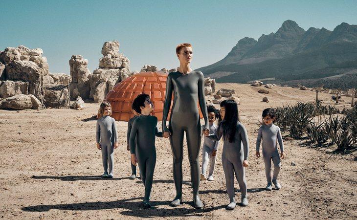 'Raised by Wolves' es la nueva serie de ciencia ficción que estrena TNT