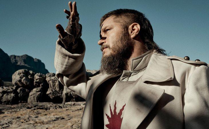 Travis Fimmel es uno de los protagonistas de 'Raised by Wolves'