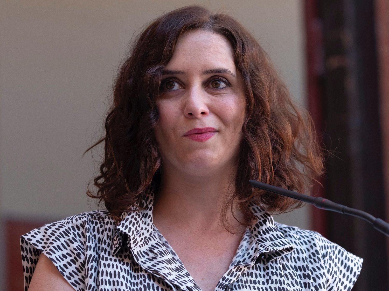 Isabel Díaz Ayuso privatiza la pruebas serológicas a profesores generando aglomeraciones
