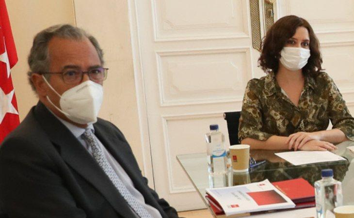 Enrique Ossorio, consejero de Educación e Isabel Díaz Ayuso, presidenta de la Comunidad de Madrid