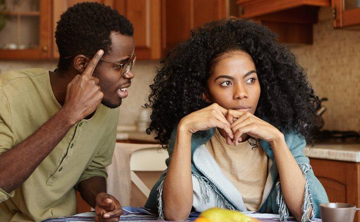 Cuando discutas con tu pareja hay que evitar los insultos