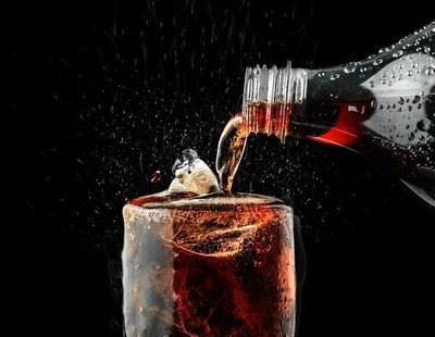Esto es todo lo que le sucede a tu cuerpo por beber Coca-Cola en grandes cantidades