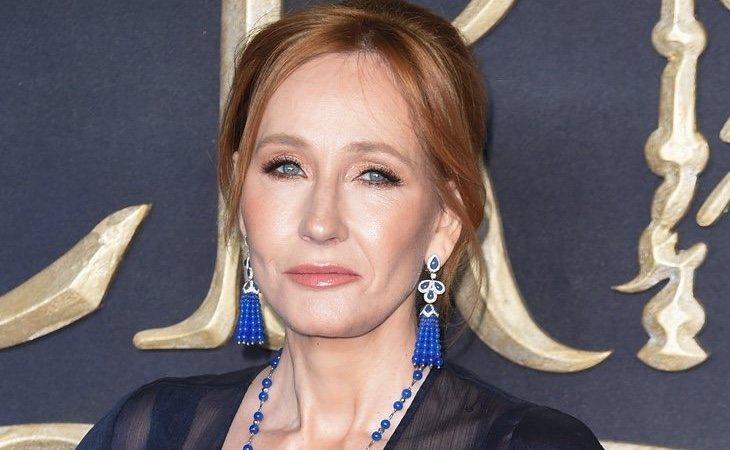 J.K. Rowling ha vertido todo tipo de comentarios transfóbicos en redes sociales
