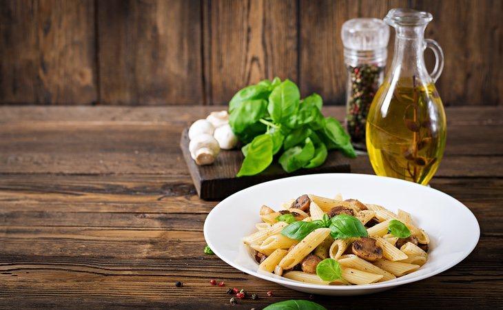 La mejor manera de comer la pasta: con verduras y aceite de oliva, sin salsas procesadas