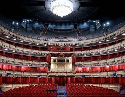 Se suspende una función en el Teatro Real entre gritos y abucheos por la falta de distancia de seguridad
