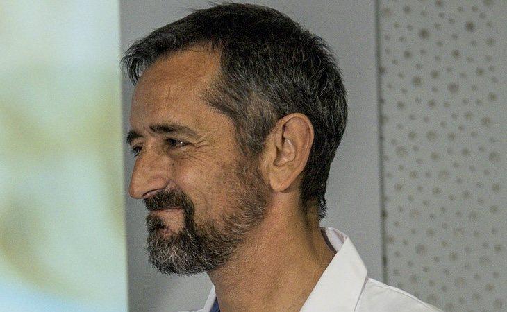 Pedro Cavadas se ha mostrado muy crítico con la gestión de Fernando Simón
