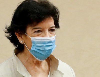 """Critican a la ministra Celáa por """"huir"""" en avión de Madrid: ha ido a Bilbao por causas médicas"""