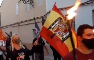 Multarán con hasta 10.000 euros a los neonazis que exhibieron banderas franquistas en Valencia