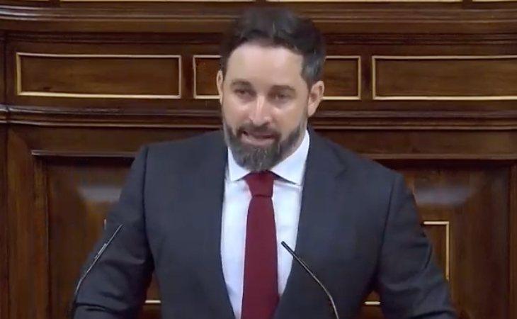 Santiago Abascal termina su intervención con lo que mejor se le da hacer: gritar '¡Viva el rey y viva España!'