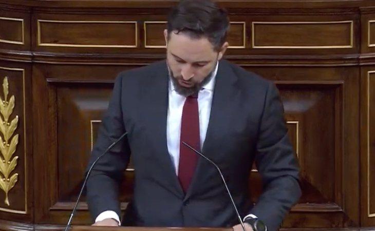 Santiago Abascal responde a EH Bildu leyendo los nombres y apellidos de todas las víctimas de ETA
