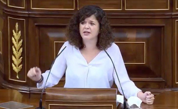 Sofía Castañón (Unidas Podemos), a VOX: 'Se puede ser ridículo y al mismo tiempo peligroso'. Cuestiona la política de VOX: 'Quieren hablar para ...