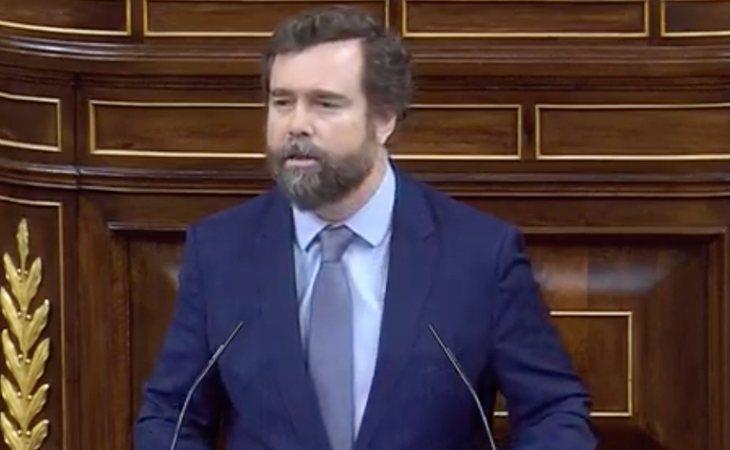 Iván Espinosa de los Monteros (VOX) adopta el lema de Trump: 'Volveremos a hacer España grande otro vez'