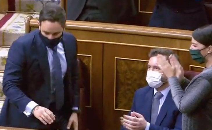 VOX se aplaude a sí misma tras el fracaso de la moción de censura habiendo conseguido solo los votos de sus 52 diputados frente a 298 en contra