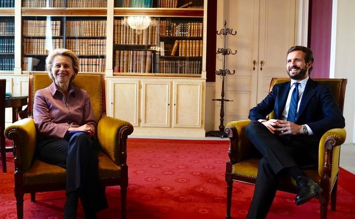 Casado parece haberse contagiado del espíritu de la CDU alemana de Merkel y su gran valedora en las instituciones europeas, Ursula von der Leyen
