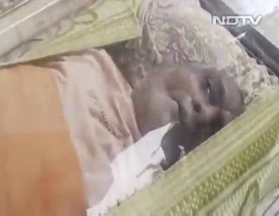 Graban a un hombre de 74 años 'resucitando' tras pasar 20 horas en el congelador de la morgue