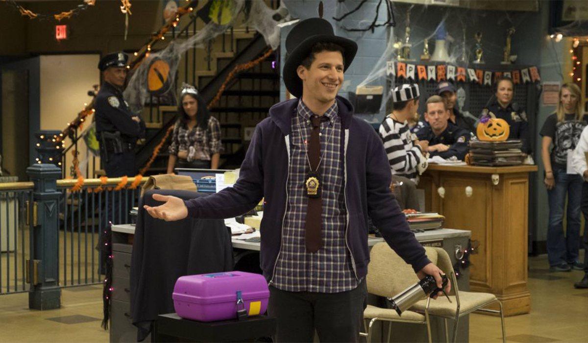 Jake se enfrenta en la apuesta de Halloween en 'Brooklyn Nine-Nine'
