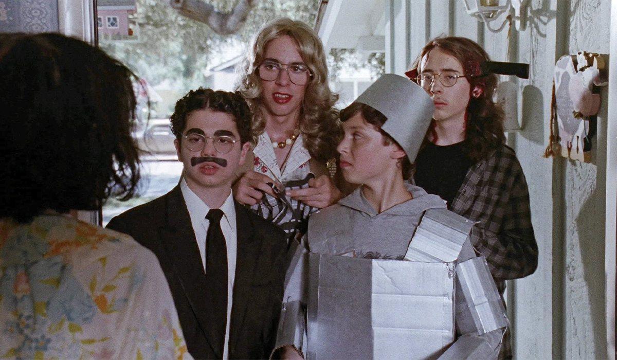 Los jóvenes protagonistas de 'Freaks and Geeks' celebran Halloween