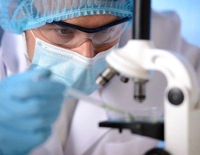 Vexas: científicos describen una nueva enfermedad mortal con fiebre, coágulos e inflamación en todo el organismo