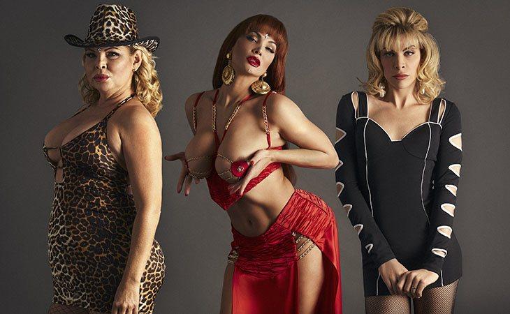 Isabel Torres, Daniela Santiago y Jedet con algunos de los reconocibles looks de La Veneno