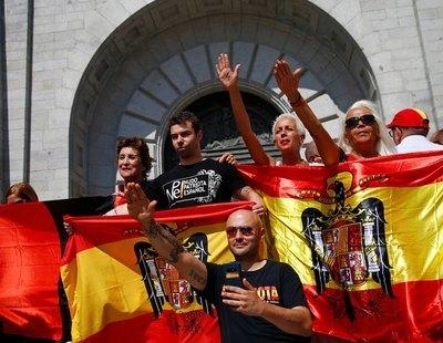 España, siglo XXI: Una veintena de iglesias celebran misas franquistas por el 20-N