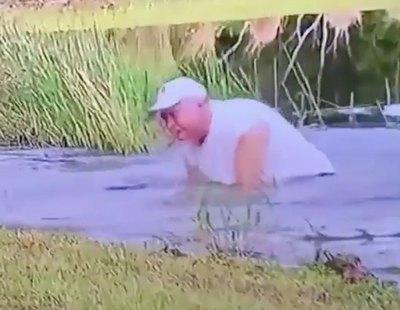 Graban a un hombre de 74 años luchando contra un cocodrilo jugándose la vida para liberar a su perro