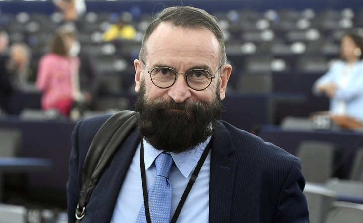 József Szájer, el eurodiputado que ha dimitido tras participar en una orgía en plena pandemia del coronavirus