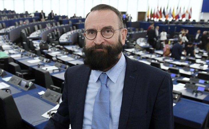 József Szájer, eurodiputado húngaro ultraconservador pillado en una de estas orgías