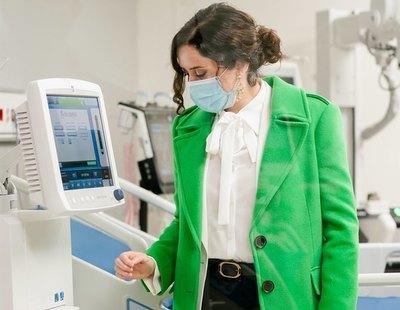 Ayuso comienza el traslado forzoso de sanitarios de hospitales públicos al Isabel Zendal