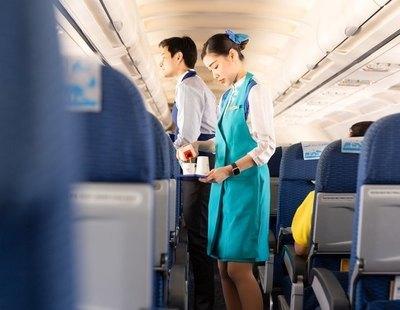 China recomienda que la tripulación de sus aviones utilice pañales para evitar el WC por el Covid