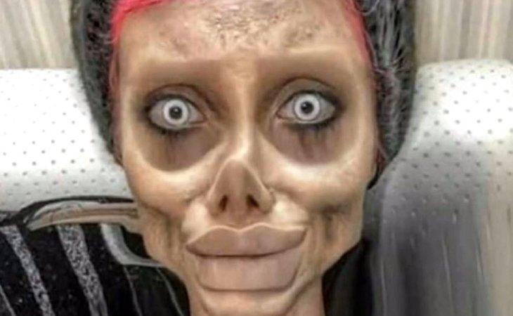 Imagen de la joven iraní maquillada para ser la versión zombie de Angelina Jolie