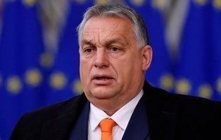 Hungría prohíbe la adopción a parejas homosexuales mientras la UE mira hacia otro lado