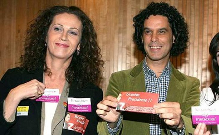 Carla Antonelli y Pedro Cerolo celebraban la aprobación de la ley de 2007