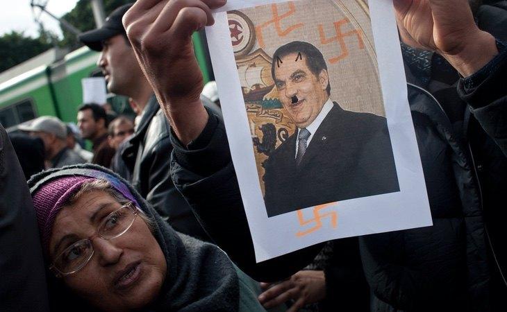 Una de las manifestaciones contra Ben Alí en Túnez