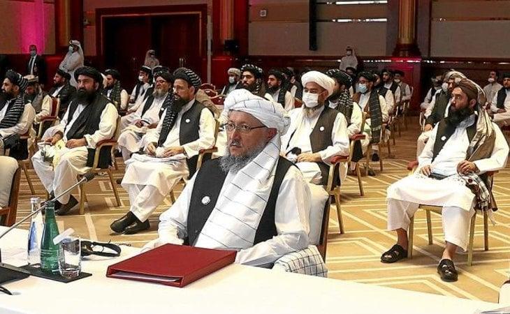 Representantes de los talibanes durante las conversaciones de paz con el Gobierno de Afganistán iniciadas en Doha