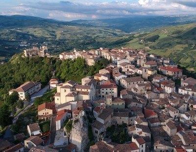 Castropignano, el pueblo italiano que vende casas a un euro para recuperar habitantes