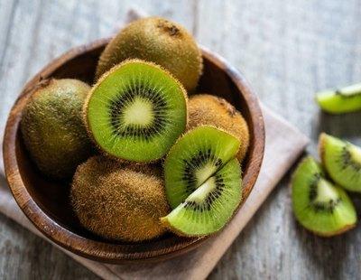 Esto es lo que le sucede a tu organismo si tomas un kiwi todos los días