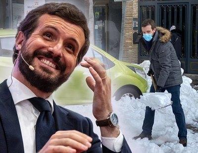 La prueba de que Pablo Casado solo cogió la pala y quitó nieve para hacerse la foto