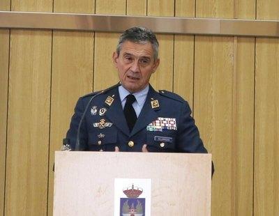 Dimite el Jefe del Estado Mayor de la Defensa tras vacunarse contra el coronavirus saltándose el protocolo