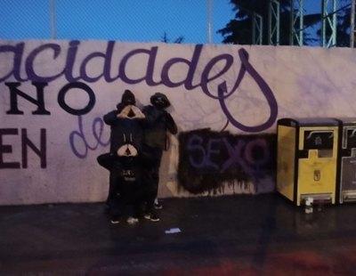 Las tránsfobas TERF se adelantan a VOX y vandalizan el mural feminista de Madrid