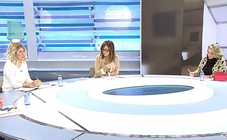 'El programa de Ana Rosa' debate sobre las polémicas sobre el protocolo de vacunación